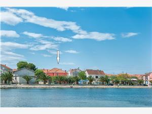 Ferienwohnung Grozdan Zadar, Größe 80,00 m2, Luftlinie bis zum Meer 150 m, Entfernung vom Ortszentrum (Luftlinie) 50 m