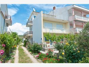 Apartmány Augustin Sukosan (Zadar), Prostor 50,00 m2, Vzdušní vzdálenost od moře 70 m, Vzdušní vzdálenost od centra místa 700 m