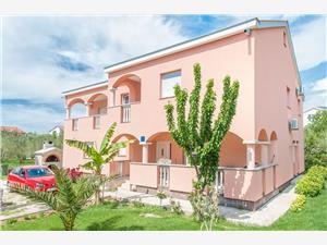Appartements Tatjana Sukosan (Zadar), Superficie 65,00 m2, Distance (vol d'oiseau) jusque la mer 100 m, Distance (vol d'oiseau) jusqu'au centre ville 600 m