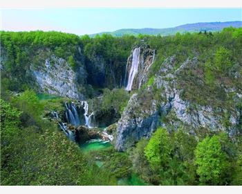 Plitvice lakes Tour from Zadar