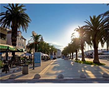 Blue Lagoon and Trogir Speedboat Tour from Split