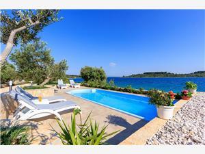 Beachfront accommodation Split and Trogir riviera,Book Renata From 485 €
