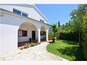 Ferienwohnungen Ivana Zadar Riviera, Größe 25,00 m2, Luftlinie bis zum Meer 30 m, Entfernung vom Ortszentrum (Luftlinie) 400 m