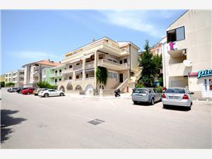 Appartementen Pero Makarska, Kwadratuur 33,00 m2, Lucht afstand naar het centrum 700 m