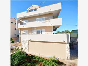 Apartmány Šime , Rozloha 90,00 m2, Vzdušná vzdialenosť od mora 150 m