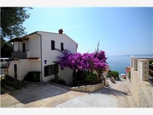Appartements Katica Okrug Gornji (Ciovo), Superficie 50,00 m2, Distance (vol d'oiseau) jusque la mer 30 m