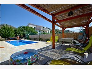 Apartmani Mirko Seget Vranjica, Kvadratura 110,00 m2, Smještaj s bazenom, Zračna udaljenost od centra mjesta 600 m