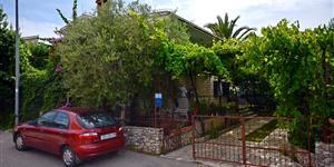 Huis - Okrug Donji (Ciovo)