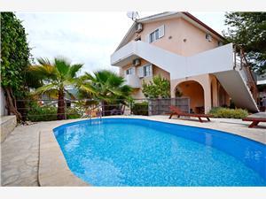 Apartmány Ante Seget Vranjica, Prostor 37,00 m2, Soukromé ubytování s bazénem, Vzdušní vzdálenost od centra místa 30 m