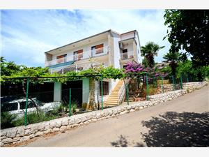 Appartement Nediljko Marina, Kwadratuur 160,00 m2, Lucht afstand naar het centrum 200 m