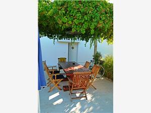 Beachfront accommodation North Dalmatian islands,Book Tanja From 143 €