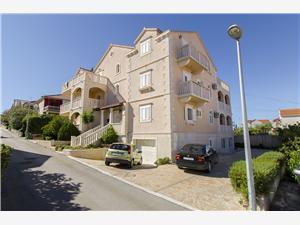 Apartmány Mara Supetar - ostrov Brac, Prostor 70,00 m2, Vzdušní vzdálenost od centra místa 800 m