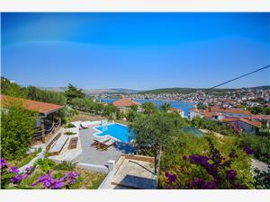 Apartmán Piveta Okrug Gornji (Ciovo), Rozloha 140,00 m2, Ubytovanie sbazénom, Vzdušná vzdialenosť od mora 150 m