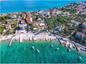 Haus Nono Kroatien, Größe 65,00 m2, Luftlinie bis zum Meer 50 m, Entfernung vom Ortszentrum (Luftlinie) 100 m