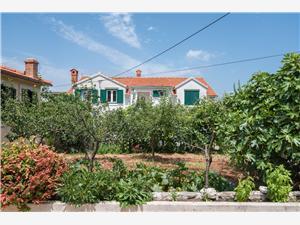 Apartmaji Tihana Supetar - otok Brac,Rezerviraj Apartmaji Tihana Od 71 €