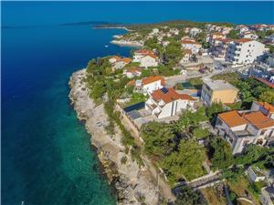 Appartementen Ana Okrug Gornji (Ciovo), Kwadratuur 55,00 m2, Accommodatie met zwembad, Lucht afstand tot de zee 20 m