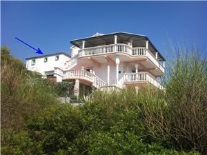 Beachfront accommodation Višnja Grebastica,Book Beachfront accommodation Višnja From 84 €