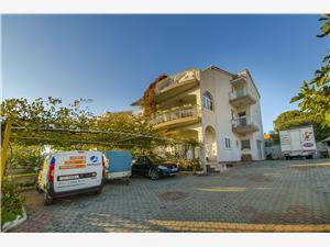 Appartementen Nada Grebastica, Kwadratuur 38,00 m2, Lucht afstand tot de zee 230 m, Lucht afstand naar het centrum 300 m