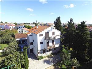 Apartamenty Branka Vodice, Powierzchnia 50,00 m2, Odległość do morze mierzona drogą powietrzną wynosi 200 m, Odległość od centrum miasta, przez powietrze jest mierzona 300 m