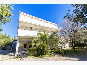 Apartamenty Loina Novalja - wyspa Pag, Powierzchnia 55,00 m2, Odległość od centrum miasta, przez powietrze jest mierzona 350 m