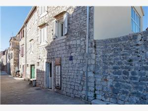 Lägenheter Nediljka Stari Grad - ön Hvar, Storlek 60,00 m2, Luftavståndet till centrum 50 m