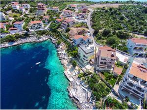 Apartman Jelka Horvátország, Méret 76,00 m2, Légvonalbeli távolság 20 m, Központtól való távolság 600 m
