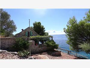Remote cottage North Dalmatian islands,Book Božidar From 146 €