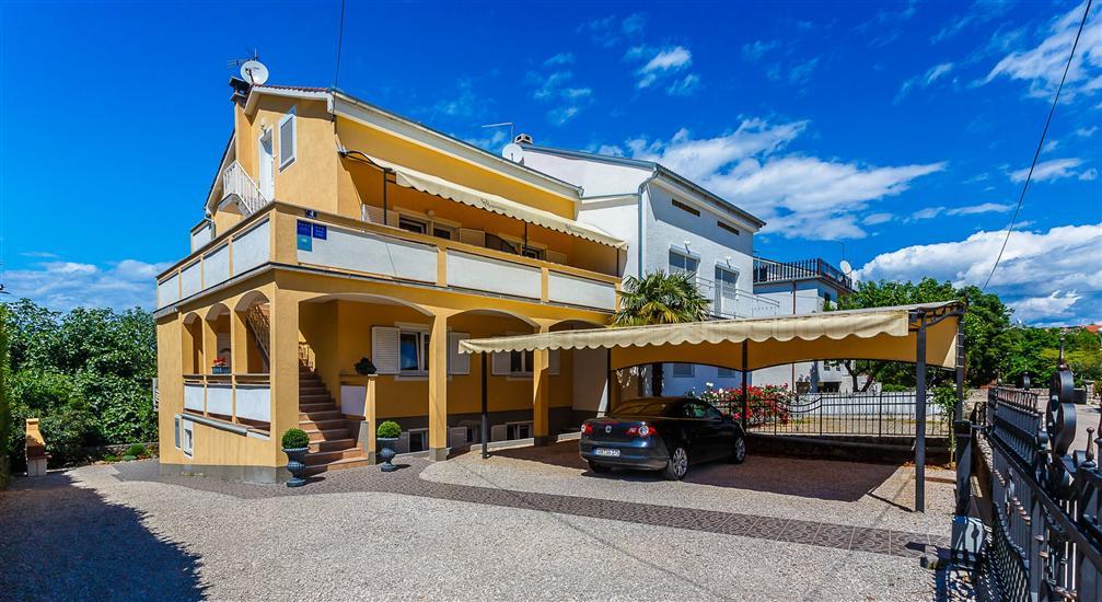 Apartments and Rooms Gordana
