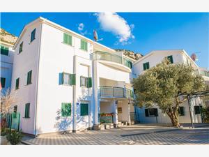 Apartmány Denis Dalmácie, Prostor 56,00 m2, Vzdušní vzdálenost od moře 100 m, Vzdušní vzdálenost od centra místa 50 m
