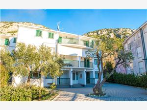 Ferienwohnungen Denis Dalmatien, Größe 56,00 m2, Luftlinie bis zum Meer 100 m, Entfernung vom Ortszentrum (Luftlinie) 50 m