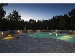 Vila Vlakovo Maggie Labin, Prostor 250,00 m2, Soukromé ubytování s bazénem