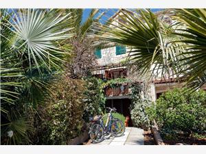 Kuća za odmor Darina Vrboska - otok Hvar, Kvadratura 58,00 m2, Zračna udaljenost od centra mjesta 20 m