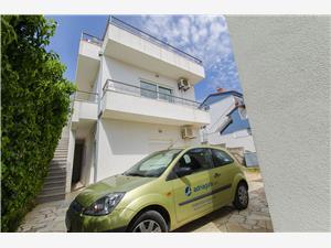 Appartementen Zdenka Okrug Donji (Ciovo), Kwadratuur 35,00 m2, Lucht afstand tot de zee 50 m, Lucht afstand naar het centrum 800 m