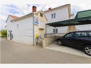 Maisons de vacances Les iles de la Dalmatie centrale,Réservez Anđelka De 82 €