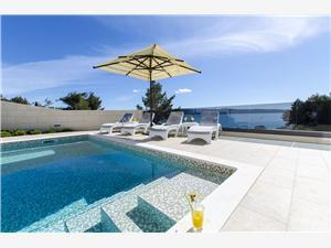 Willa Petra Split i Riwiera Trogir, Powierzchnia 280,00 m2, Kwatery z basenem, Odległość do morze mierzona drogą powietrzną wynosi 35 m