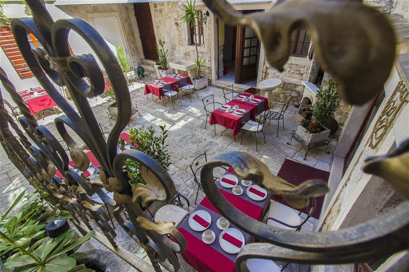 Apartma in Sobe Palace Derossi