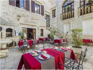 Apartment Split and Trogir riviera,Book Derossi From 95 €