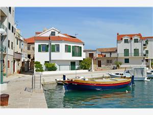 Alloggio vicino al mare Siniša Tribunj,Prenoti Alloggio vicino al mare Siniša Da 35 €