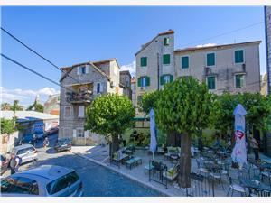 Appartement Roberto Split, Kwadratuur 39,00 m2, Lucht afstand naar het centrum 100 m