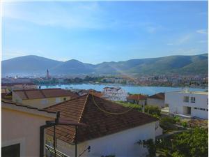 Beachfront accommodation Split and Trogir riviera,Book Jadran From 93 €