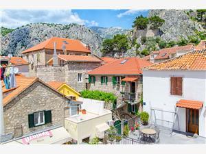Apartmán Mandić Omis, Rozloha 80,00 m2, Vzdušná vzdialenosť od mora 230 m, Vzdušná vzdialenosť od centra miesta 10 m