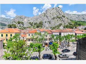Apartmani Pavković Omiš, Kvadratura 70,00 m2, Zračna udaljenost od mora 170 m, Zračna udaljenost od centra mjesta 10 m