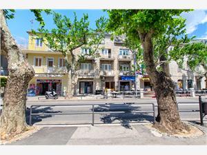 Appartements Pavkovic Omis, Superficie 70,00 m2, Distance (vol d'oiseau) jusque la mer 170 m, Distance (vol d'oiseau) jusqu'au centre ville 10 m