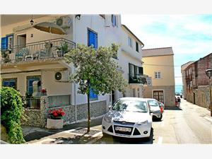 Apartament Tina Vodice, Powierzchnia 60,00 m2, Odległość do morze mierzona drogą powietrzną wynosi 100 m, Odległość od centrum miasta, przez powietrze jest mierzona 50 m