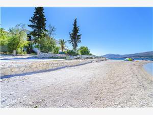 Beachfront accommodation Split and Trogir riviera,Book Slava From 88 €