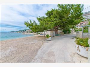 Ferienwohnungen Nevenka Sumpetar (Omis), Größe 30,00 m2, Luftlinie bis zum Meer 50 m, Entfernung vom Ortszentrum (Luftlinie) 50 m