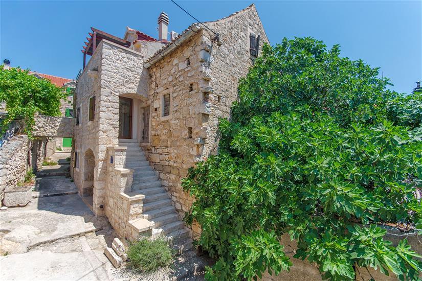 Huis Stone house island Prvić