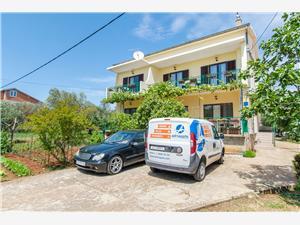 Apartmani i Soba Casa di Giulietta Sukošan (Zadar), Kvadratura 30,00 m2, Zračna udaljenost od mora 100 m