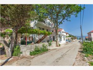 Appartements et Chambres Stjepan Zastrazisce - île de Hvar, Superficie 23,00 m2, Distance (vol d'oiseau) jusque la mer 70 m