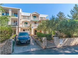 Appartamenti Jelka Bol - isola di Brac,Prenoti Appartamenti Jelka Da 51 €